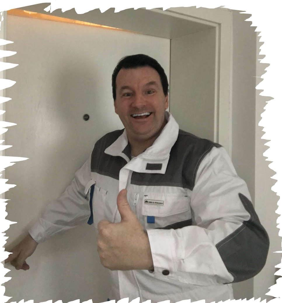 Schlüsseldienst Merkstein Monteur Karl - er öffnet jede Tür - Ganz egal zu welcher Uhrzeit